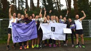 UvA-HvA vrouwen verpletteren concurrentie bij Damloop