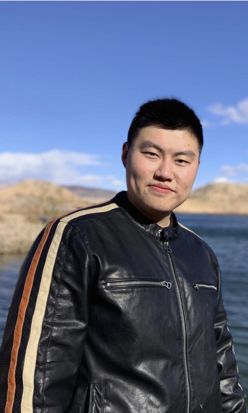 Prachtige Aziatische wordt bij het meer geneukt